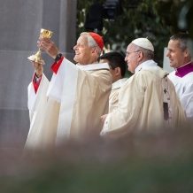 Cardinal Wuerl presents a gift to Pope Francis