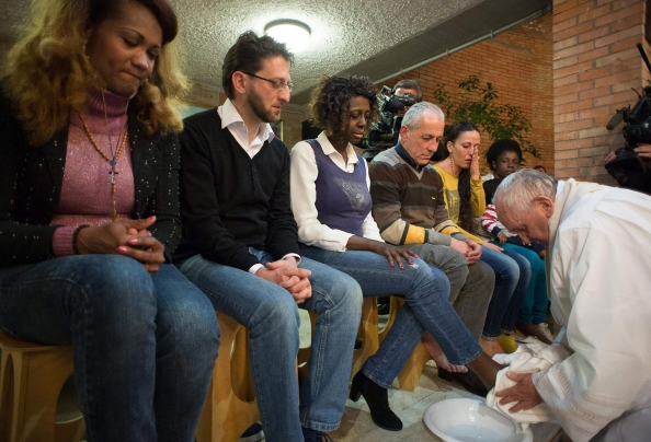 Pope Francis washes the feet of prison inmates